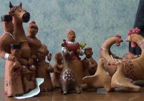 Мастер-керамист из Горячего Ключа создал коллекцию музыкальных фигурок из глины