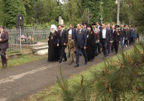 В Краснодаре возложили венки к монументам героям Великой Отечественной войны
