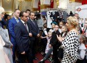Кондратьев посетил выставку «Дни школьной моды»