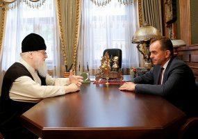 Кондратьев поздравил митрополита Исидора с днем рождения