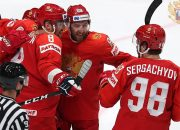Хоккеисты сборной России выиграли у шведов в матче ЧМ и стали первыми в группе
