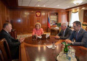 В Москве прошла рабочая встреча председателя Совета Федерации и главы Адыгеи