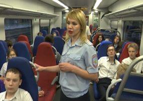 Ученикам краснодарской школы провели урок безопасности на транспорте