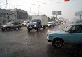 В Краснодарском крае объявили экстренное предупреждение из-за ливней