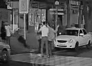 В Анапе двое мужчин избили девушек