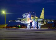 На Кубани штурмовики Су-25 разбомбили колонну «вражеской» бронетехники