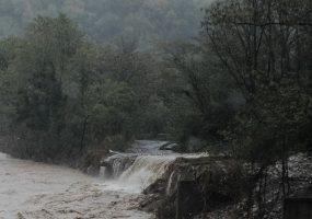 После схода грязевого потока из Гуамского ущелья вывели 178 человек