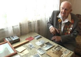 В Абинске волонтеры приехали в гости к 92-летнему ветерану