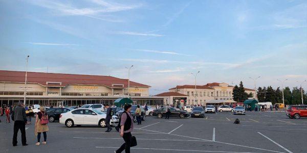 В краснодарском аэропорту из-за сообщения о минировании задержали девять рейсов