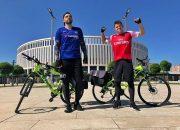 Краснодарцы отправились на финал Лиги Европы в Баку на велосипедах