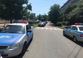 В Сочи водитель сбил 11-летнюю девочку на зебре и скрылся с места ДТП