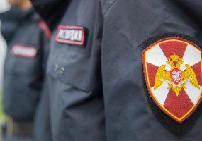 В Славянске-на-Кубани парень обокрал павильон и спрятался под прилавком