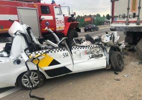 В Краснодаре водитель «Яндекс.Такси» уснул за рулем и погиб в ДТП