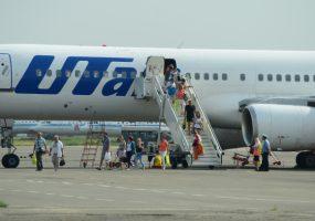Самолет из Сургута в Сочи не смог вылететь из-за неисправности