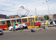 В Краснодаре из-за ДТП с такси остановилось движение трамваев