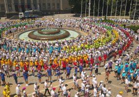В Краснодаре 2,5 тыс. человек провели первую репетицию Губернаторского бала