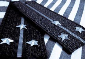 Выпускники вузов смогут получить звание старшего лейтенанта на год раньше