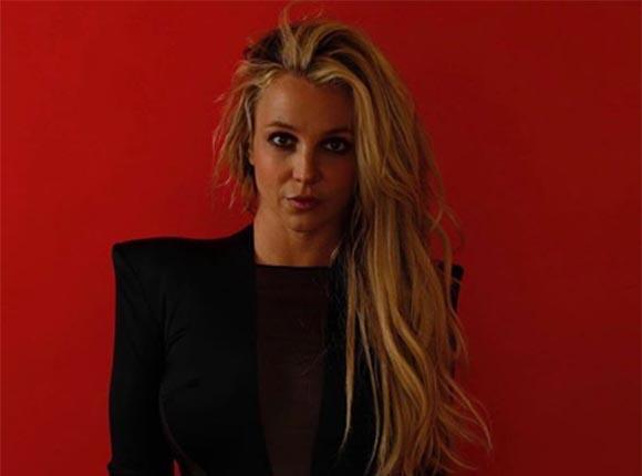Поклонники Бритни Спирс попросили певицу вернуться на сцену