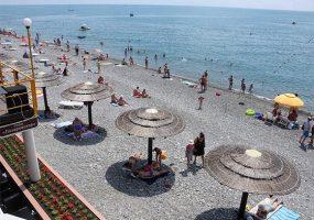 На пляжи Краснодарского края вышли мобильные патрули