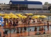 В Краснодаре открыли городской пляж с бассейнами