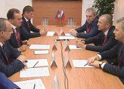 Вениамин Кондратьев встретился с представителем «ЕвроХима» на ПМЭФ