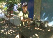 В Северском районе школьник сконструировал для мамы ручную сеялку