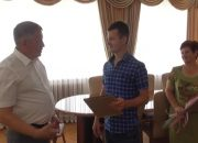 В Горячем Ключе двум семьям вручили сертификаты на покупку нового жилья