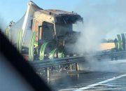 На Кубани после ДТП загорелись две фуры