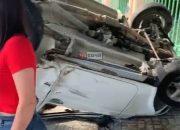 В Сочи после ДТП «Ниву» отбросило на остановку, погибла женщина