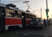 В Краснодаре из-за аварии на час встали трамваи