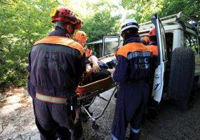 В Сочи спасатели эвакуировали женщину с травмой ноги из леса