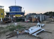 На пляже в Анапе под видом яхт-клуба работал рынок, суд постановил его снести