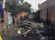 В Краснодаре разбирают завалы после пожара в доме на Коммунаров