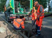 В Краснодаре от ила и грязи прочистили около 400 канализационных колодцев