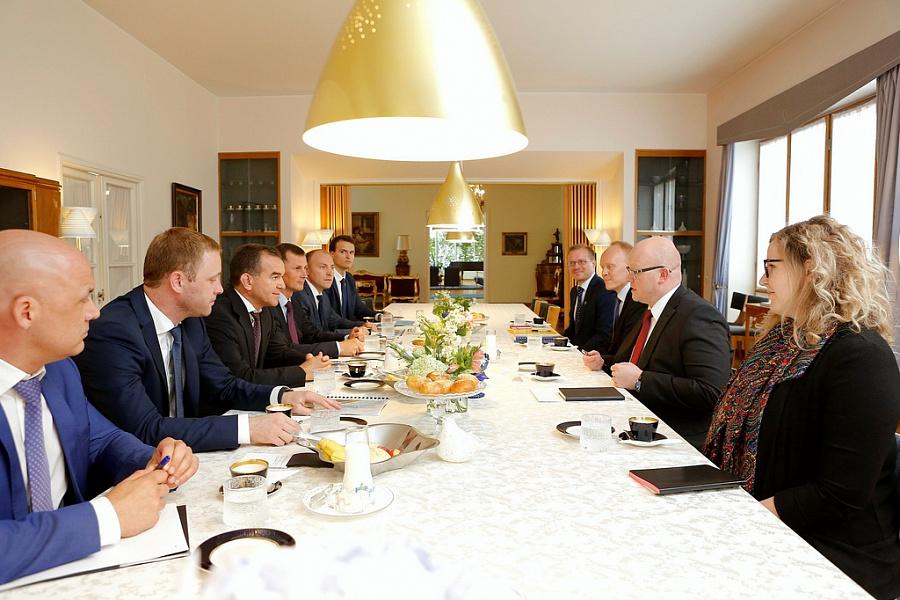 Вениамин Кондратьев посетил дипломатическую резиденцию посла Финляндии