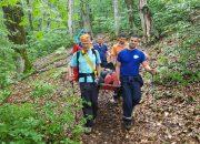 В горах Сочи спасатели эвакуировали туристку с травмой ноги