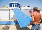 На пляже Анапы начали снос рынка, который незаконно построили вместо яхт-клуба
