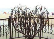 Под Геленджиком появился арт-объект в форме сердца