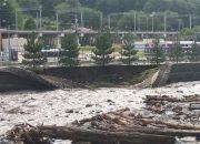 В Сочи разрушилась подпорная стена русла реки Мзымты