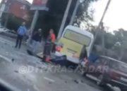 В Краснодаре грузовик вылетел на встречку и протаранил маршрутку