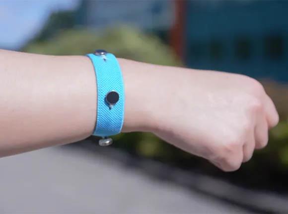 Ученые создали браслеты, помогающие сдерживать эмоции и контролировать себя
