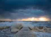 Жителей и гостей Сочи предупредили о надвигающемся циклоне