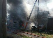 Загоревшийся в Краснодаре склад с полиэтиленовой продукцией потушили