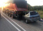В Горячем Ключе водитель легковушки заснула и врезалась в фуру, погибли двое