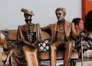 В Новороссийске установят скульптуры Антона Чехова и Ольги Книппер