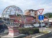 В Туапсе установили двухметровый глобус