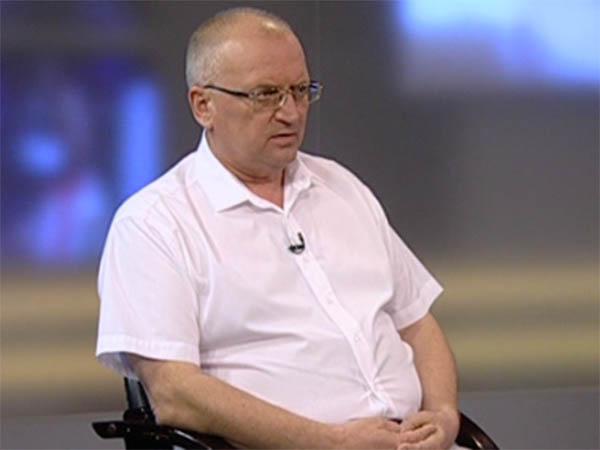 Вячеслав Анпилогов: замена «опасного» лифта происходит без графика и очереди
