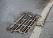 В Геленджике местный житель и москвич украли десять решеток с ливневок