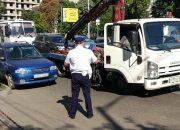 В Краснодаре во время рейда с выделенных полос эвакуировали 63 машины