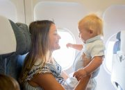 Собрались в отпуск? Как помочь ребенку перенести авиаперелет